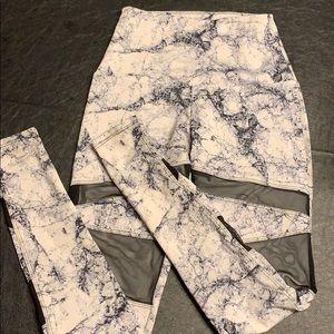 Gently worn Onzie legging size XS